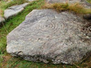 Petroglifos en Amoedo